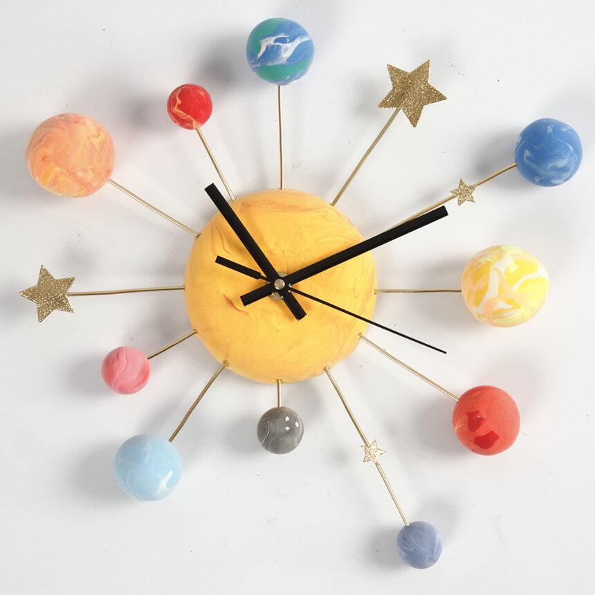 Ako vyrobiť vesmírne hodiny